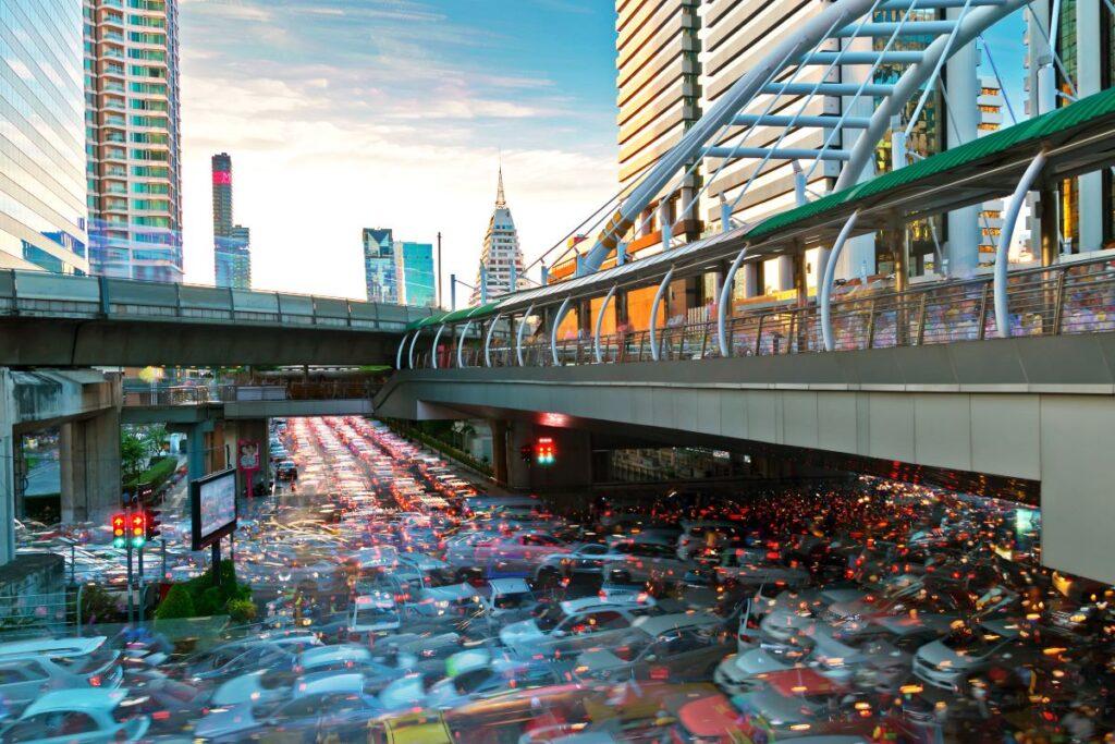 Rent a Bangkok Serviced Apartment Near an Expressway 1